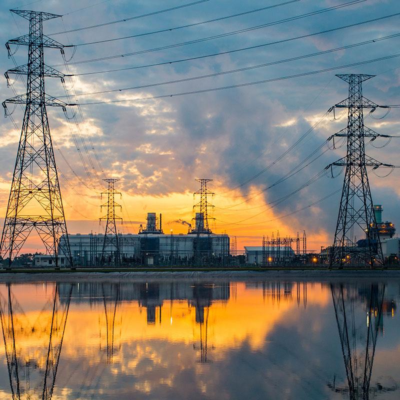 Gasturbinenkraftwerk: IREM-Trenntransformatoren
